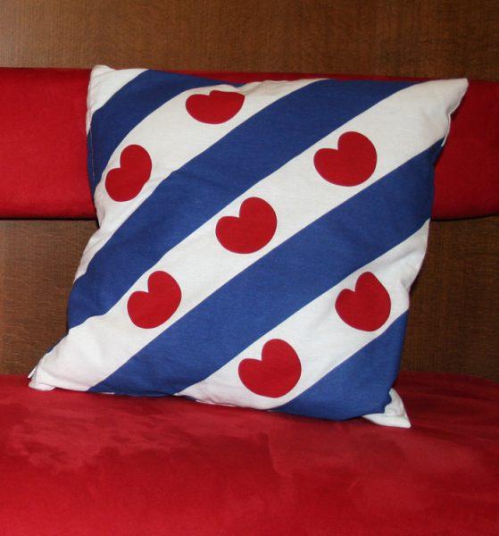 Kessensloop Fryske flagge